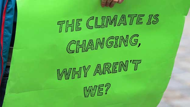 How is the European Union dealing with climate change?